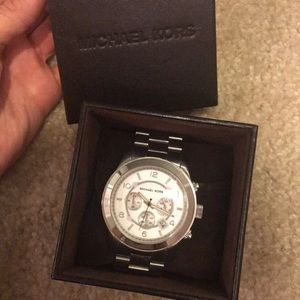 MICHAEL KORS Silver Oversized Runway Watch -unisex
